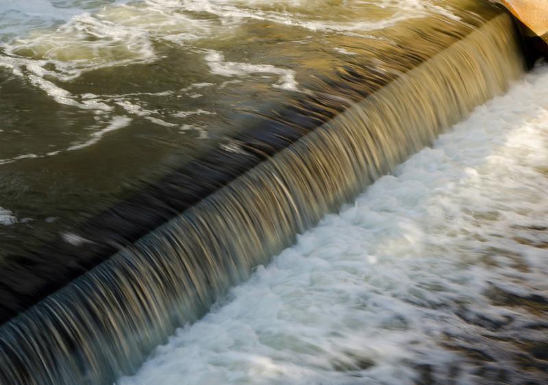 Waterfall at e.n.Hines Park-5466