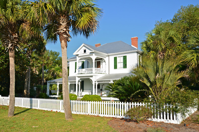 There are many historic homes well maintained throughout the city with several on the bluff overlooking the bay.
