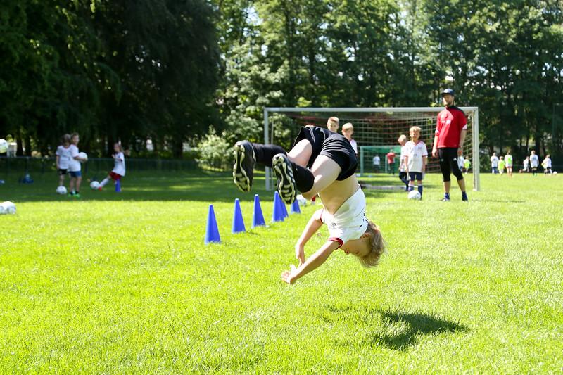 hsv_fussballschule-443_48047956606_o.jpg