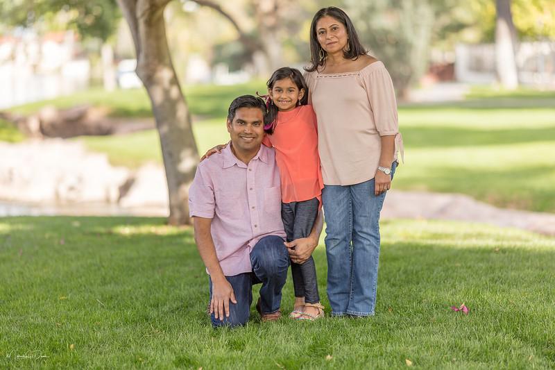 Urvi Family-162.jpg