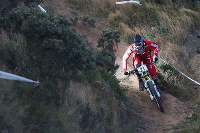 * UNPROCESSED * 2010 NZ MTB champs DH Raceday