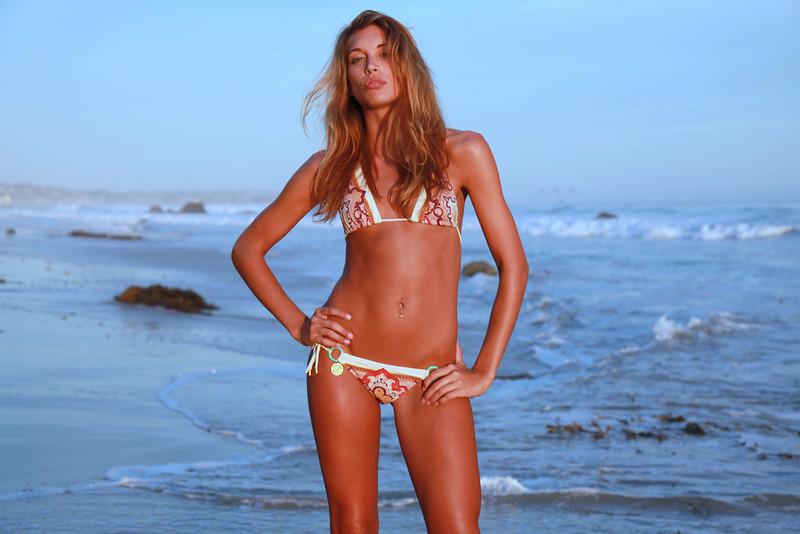 bikini 45surf bikini swimsuit model hot pretty beach surf socal 839,.,.kl,.,..jpg