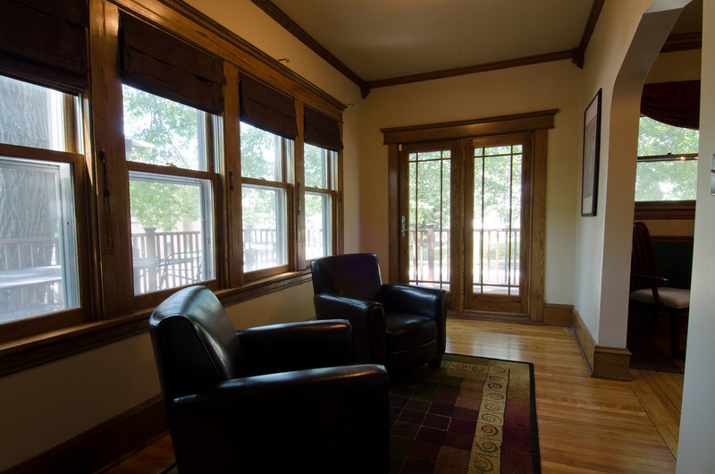 16 Sunroom 2.jpg