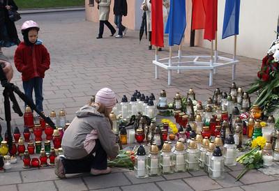 Poles in sorrow, April 2010