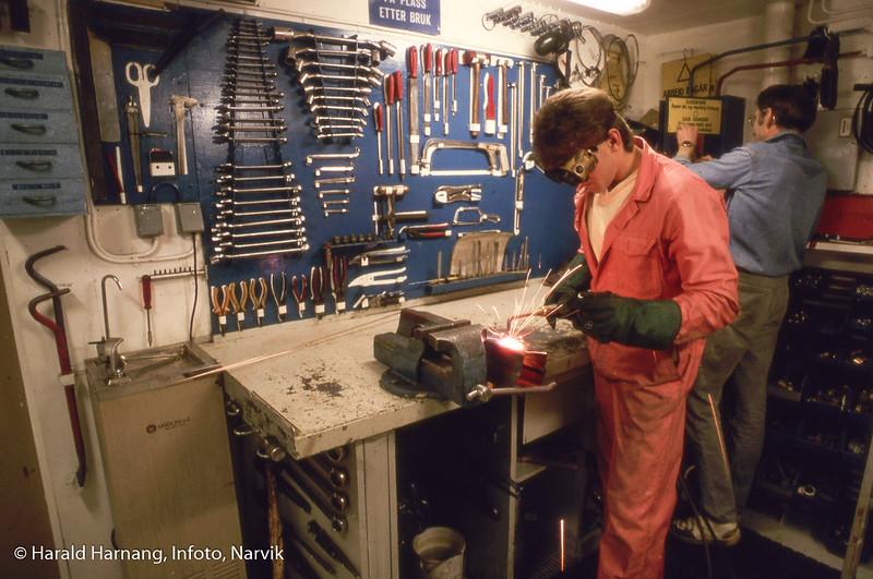 Usikker, men tror dette er mekanisk verksted ombord på hurtigrutefartøy til ODS, muligens Nord-Norge