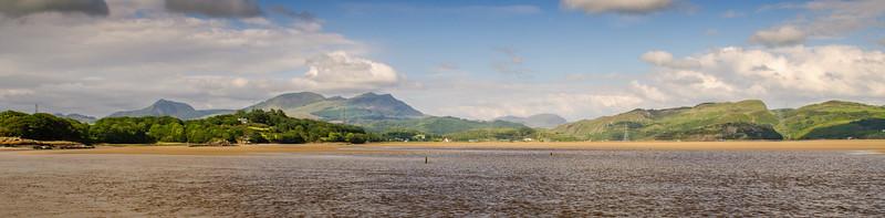 Estuary of the Afon Dwyryd in Snowdonia
