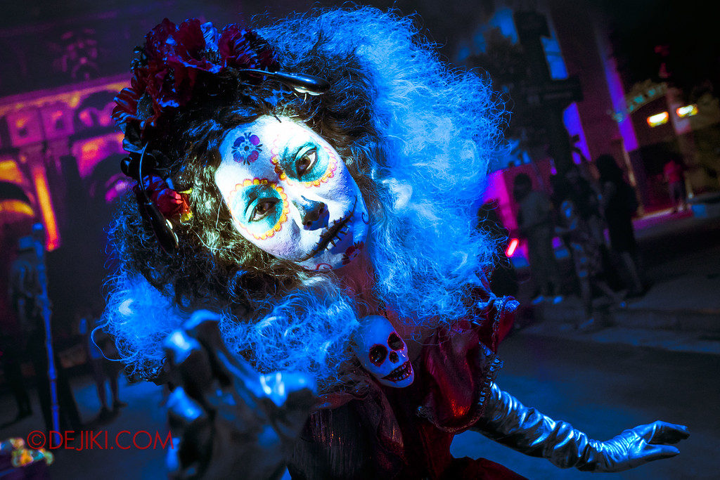 Halloween Horror Nights 6 - March of the Dead / Lady Blue