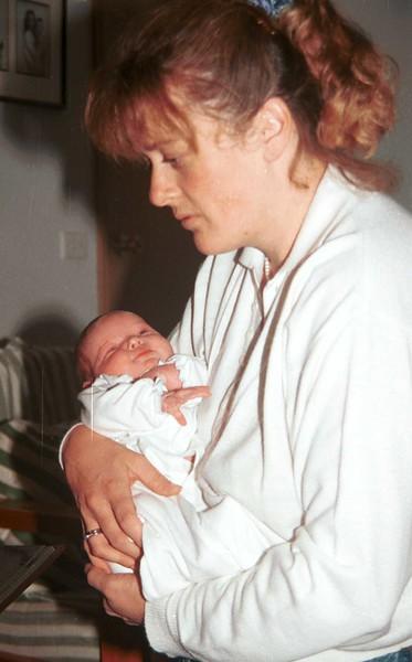 1997-5 Susan & Ellie.jpg