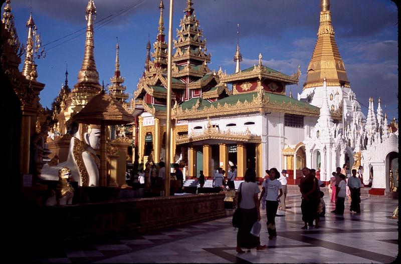 Myanmar1_024.jpg