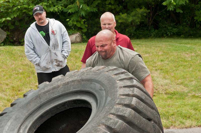 Fitness Revolution Strongman Challenge 2011_ERF4179.jpg