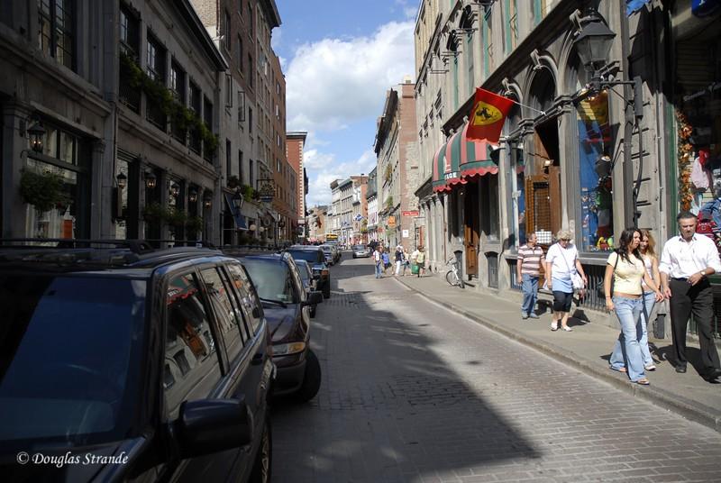 077_MontrealStreetScene.jpg