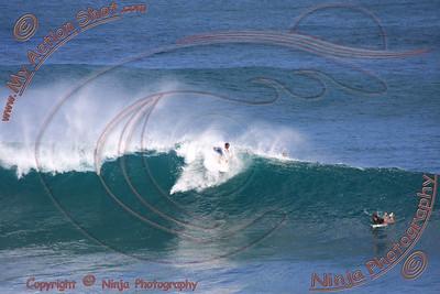 <font color=#F75D59>2008_06_13 - Surfing Uluwatu, BALI - Kurt</font>