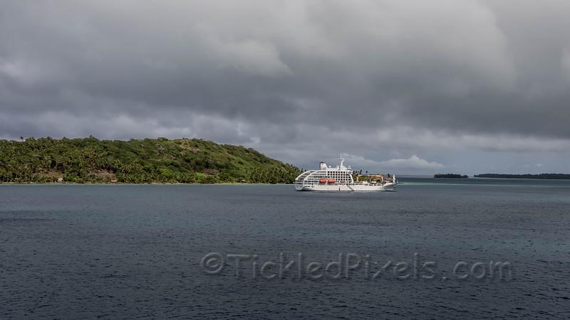 Aranui 5 Freighter & Cruise Ship