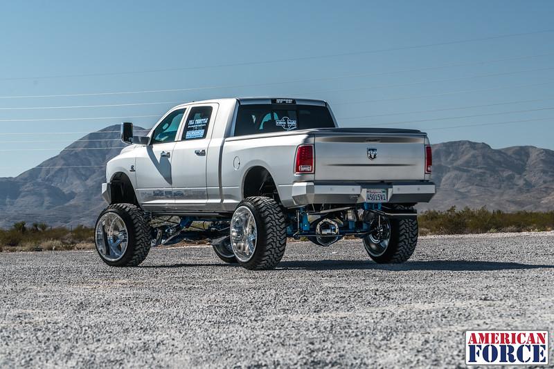 Ridin'-High-Silver-Dodge-Ram-161105-DSC02831-49.jpg
