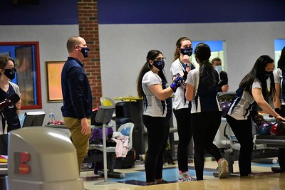 OE Girls bowling Vs Oswego 2021