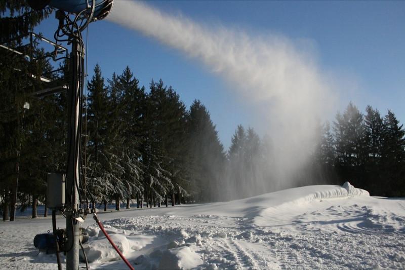SnowTrailsOpeningDay12_11_09_004.jpg