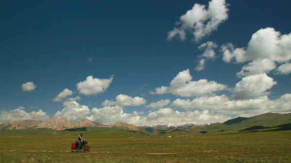 Kyrgyzstan (biking & horse-trekking)