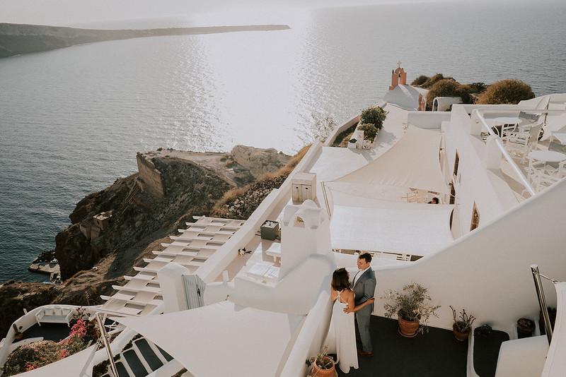 Tu-Nguyen-Destination-Wedding-Photographer-Santorini-Elopement-Alex-Diana-75.jpg