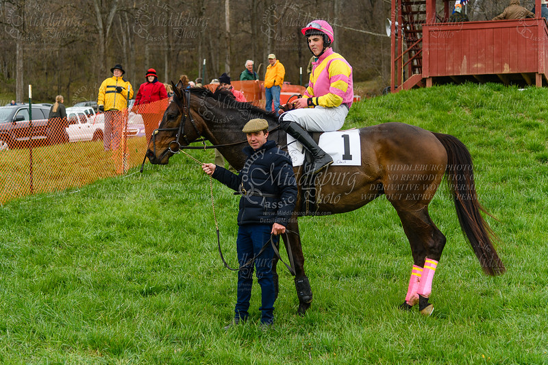 3rd Race Amateur and Novice Rider Timber