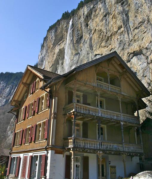 house in Lauterbrunnen & Staubbach Falls