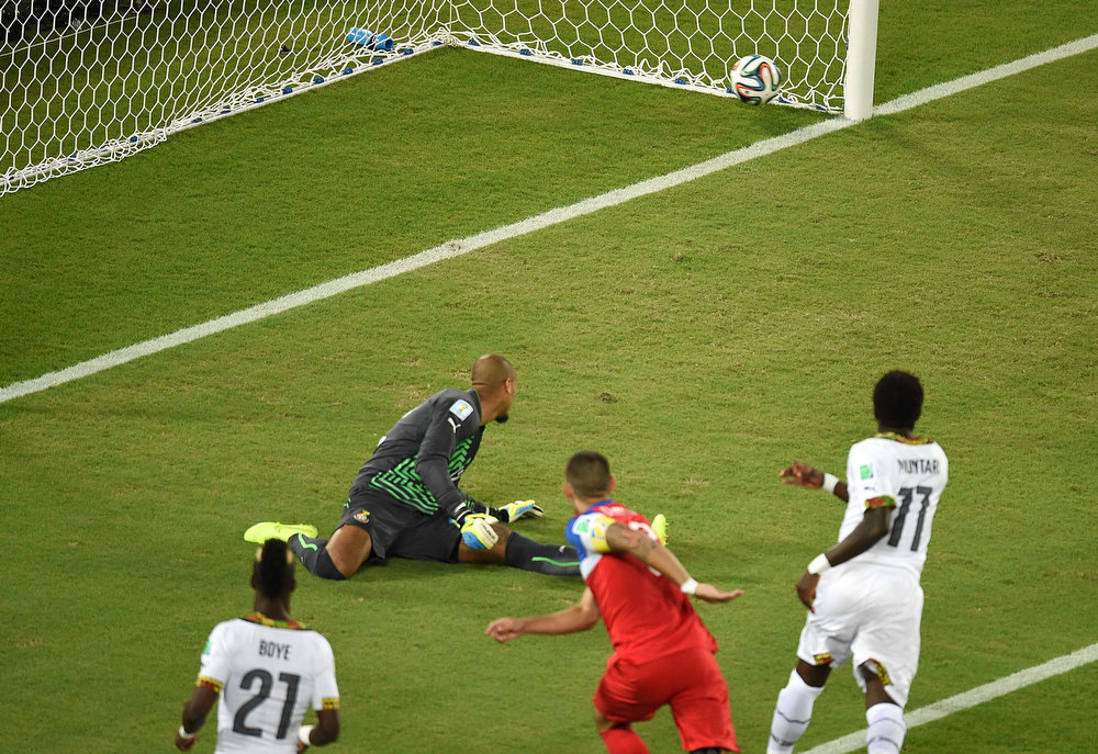 . US forward Clint Dempsey (C) scores during a Group G football match between Ghana and US at the Dunas Arena in Natal during the 2014 FIFA World Cup on June 16, 2014.  JAVIER SORIANO/AFP/Getty Images