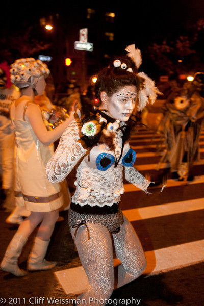 NYC_Halloween_Parade_2011-6415.jpg