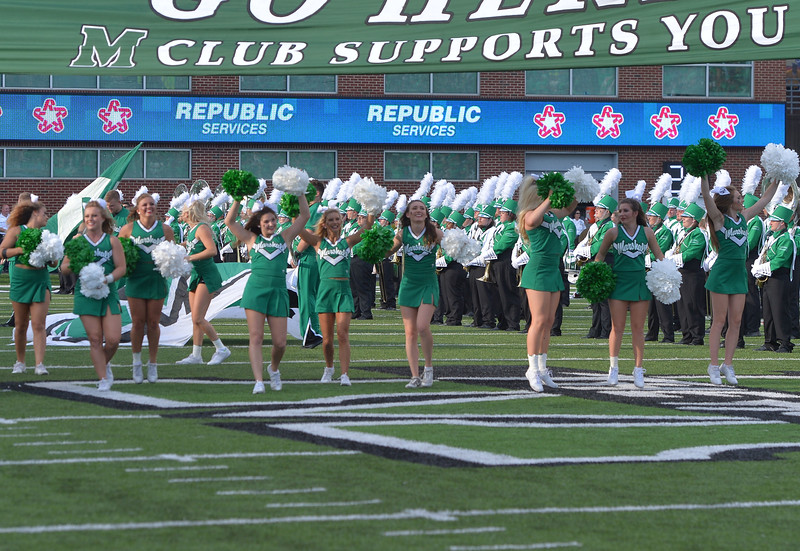 cheerleaders1732.jpg