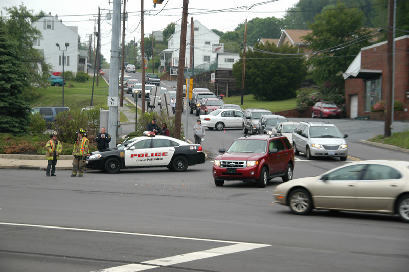 pottsville route 61 vehicle accident 5-12-2010 001.JPG