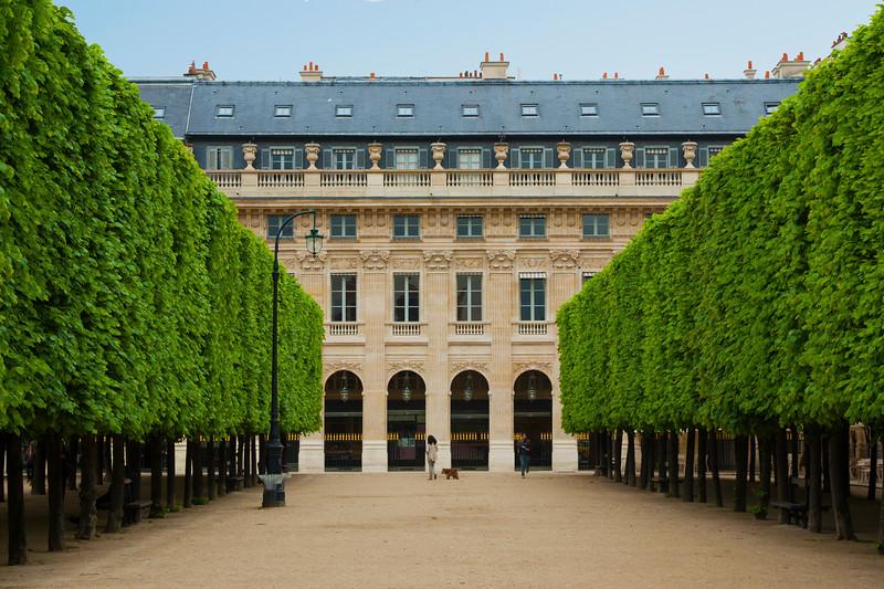 Paris-PalaiseRoyale-IMG_2351.jpg