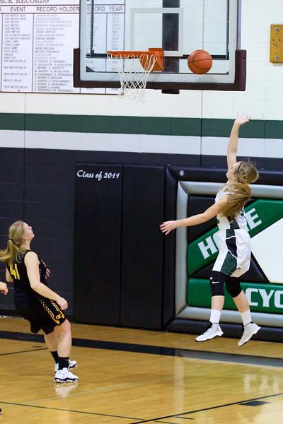 '17 Cyclones Girls Basketball 178.jpg