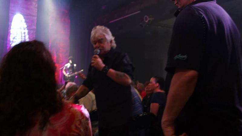 20140621_air-supply-concert-videos_004.MTS