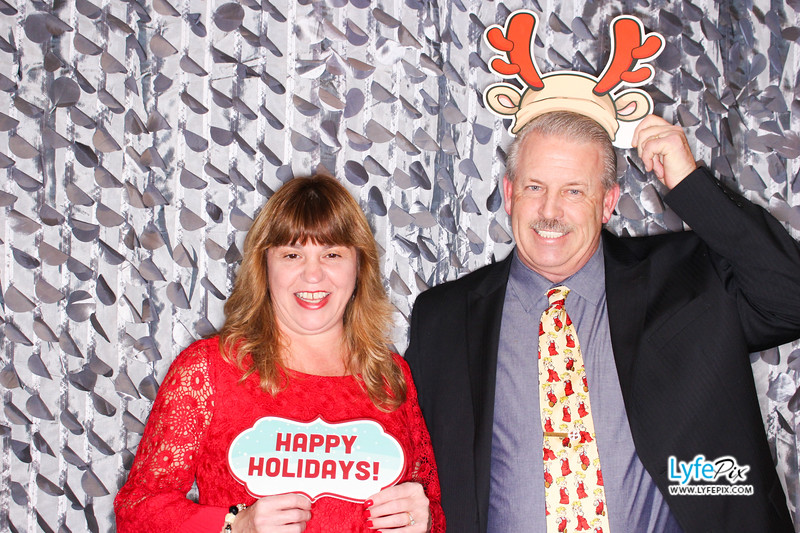 red-hawk-2017-holiday-party-beltsville-maryland-sheraton-photo-booth-0094.jpg