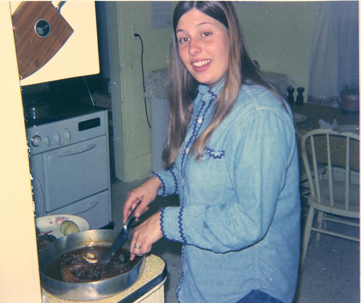 Kitchen 121s300e.jpg