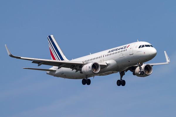F-HEPF - Airbus A320-214