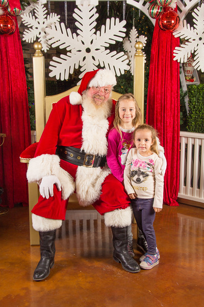 Santa 12-16-17-177.jpg