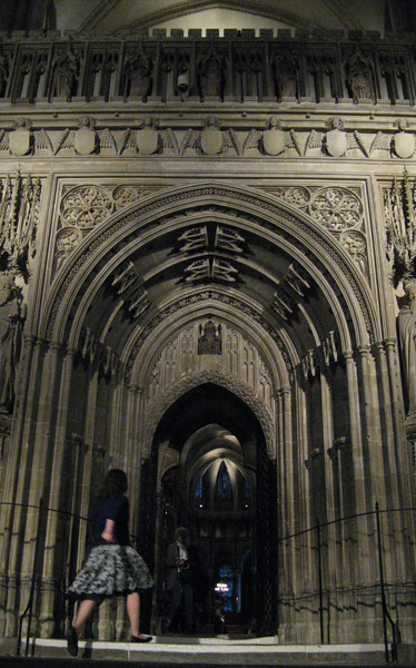 The entrance to the choir from the nave