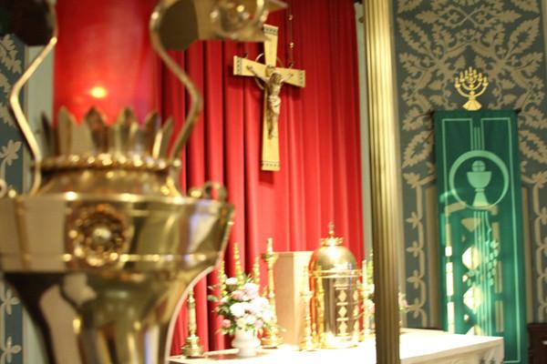 altarandsacrist.jpg