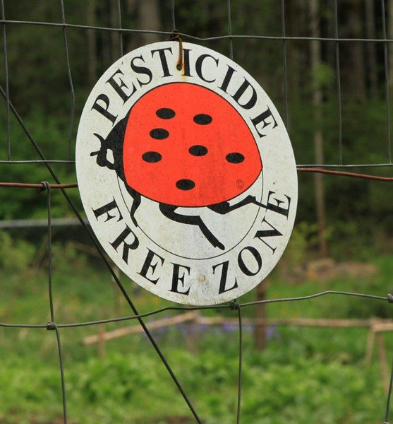 Pesticide Free Zoned 4989c.jpg