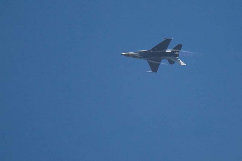 F-16 at 10,000 ft