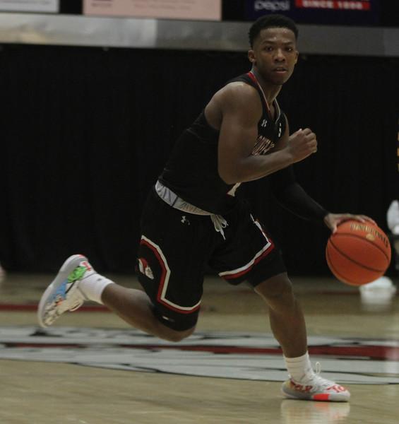 Gardner-Webb's Men's Basketball team takes down #1 Winthrop.