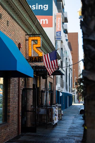 R Bar Restaurant