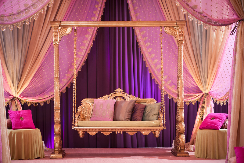 Fiza and Wasay Mehndi Belvedere Banquets Chicago Illinois South Asian Wedding Photography Maha Designs-14.jpg