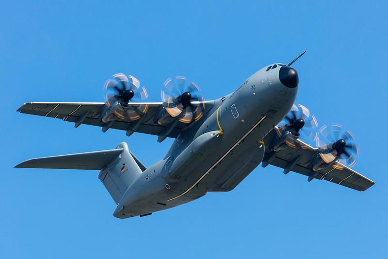 54+01-AirbusA400MAtlas-Luftwaffe-SXF-EDDB-2016-06-04-_K6A0363-DanishAviationPhoto.jpg