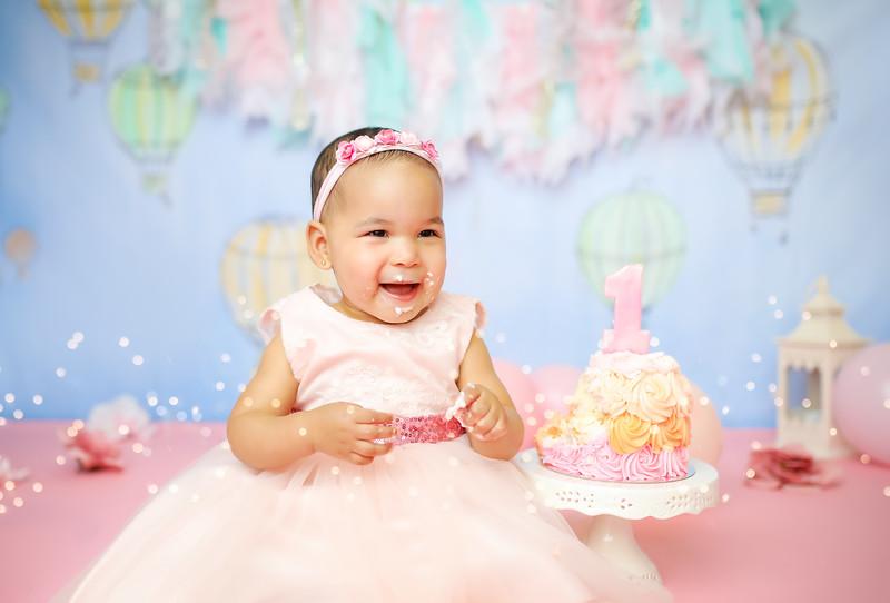 POSTnewport_babies_photography_hot_air_balloon_cakesmash-9218-1.jpg