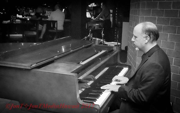 Jazz at Sarentos with Joshua Kaye