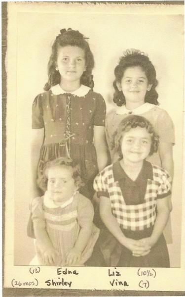 Edna, Betty, Vina & Shirley 1942.jpg