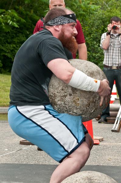 Fitness Revolution Strongman Challenge 2011_ERF4575.jpg