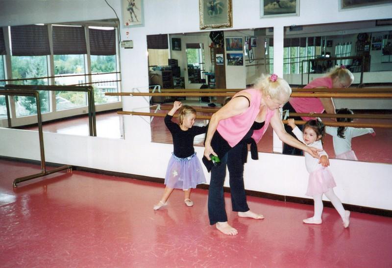 Dance_1129_a.jpg