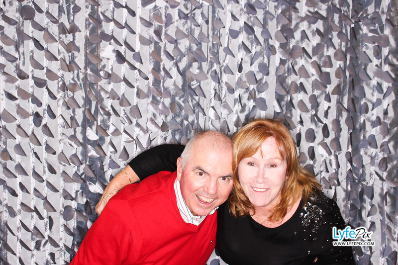 red-hawk-2017-holiday-party-beltsville-maryland-sheraton-photo-booth-0227.jpg
