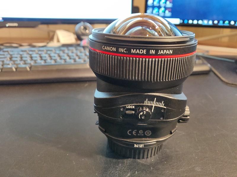 Canon TS-E 17mm 4L Tilt-Shift - Serial UZ0700 004.jpg